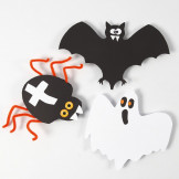 Kartonnen decoraties voor Halloween